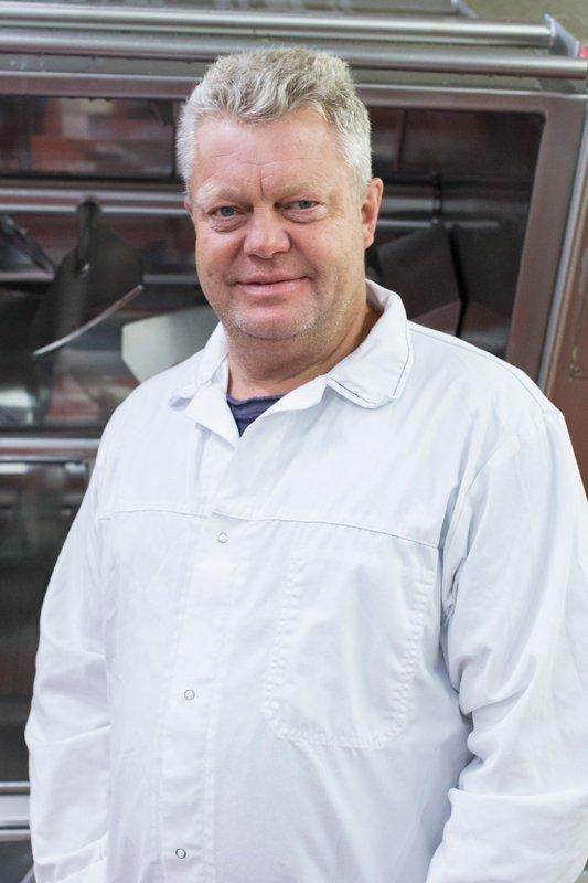 Bilde av Roy Gustavsen, produksjonssjef i VOM og hundemat
